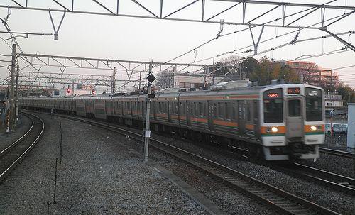 高タカ211系「C16」編成(2014年3月4日・宮原駅)1