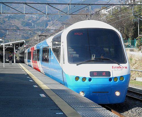 伊豆急行2100系「リゾート21EX」(2014年3月8日・湯河原駅)1