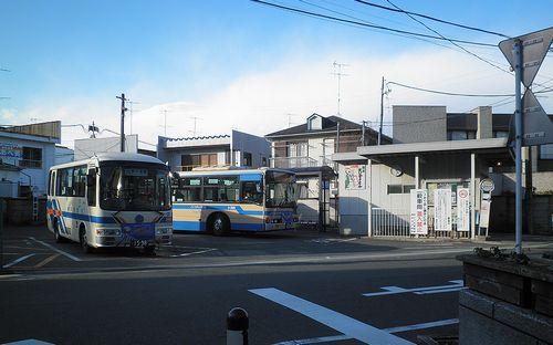 横浜市営バス「境木中学校前」バス停(2011年12月25日)