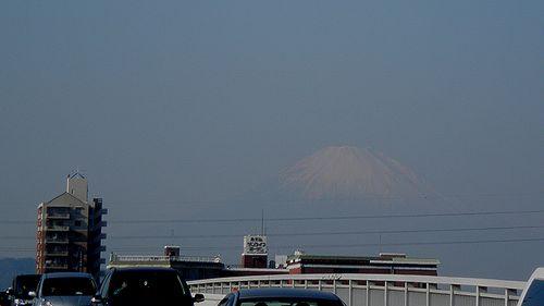 平塚市須賀・国道1号線馬入橋から富士山を見る(2011年12月29日)