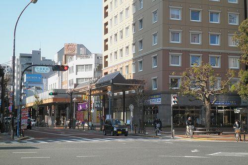 平塚市宝町・「平塚駅前」交差点(2011年12月29日)
