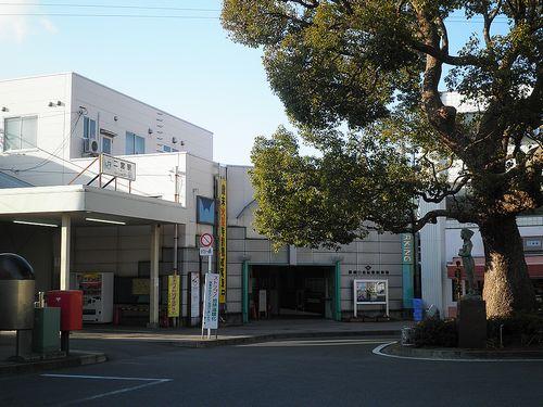 東海道本線二宮駅(神奈川県中郡二宮町二宮)(2011年12月29日)