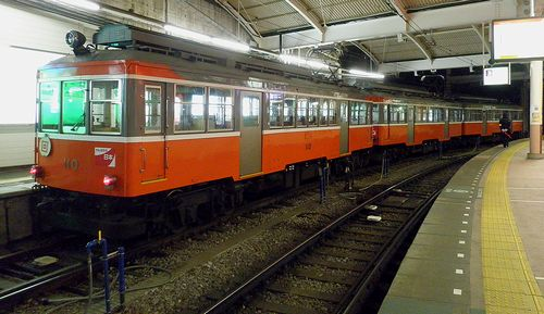 箱根登山鉄道モハ110+モハ107+モハ103(箱根湯本駅・2011年12月31日)