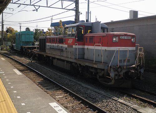DE10 1666[新]+シキ180(鶴見線浅野駅・2014年4月10日)1