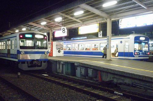 伊豆箱根鉄道3000系(第4編成・右)・1300系(第2編成・左)(2012年1月28日・三島駅)t