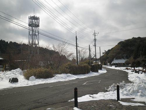 国道1号線箱根峠・「芦の湖カントリー入口」バス停から旧街道へ入る(静岡県函南町桑原)(2012年1月28日)