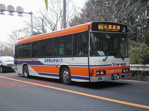 沼津登山東海バス(神奈川県箱根町箱根・国道1号線)(2012年1月8日)