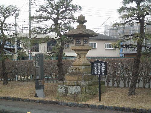 旧東海道・静岡県駿東郡清水町伏見付近・常夜灯(2012年1月29日)
