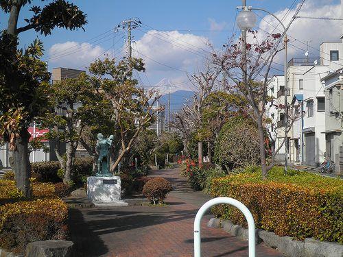 蛇松緑道(沼津市市道町)(2012年1月29日)