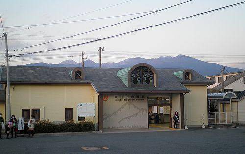 東海道本線東田子の浦駅(静岡県富士市中柏原新田)(2012年1月29日)