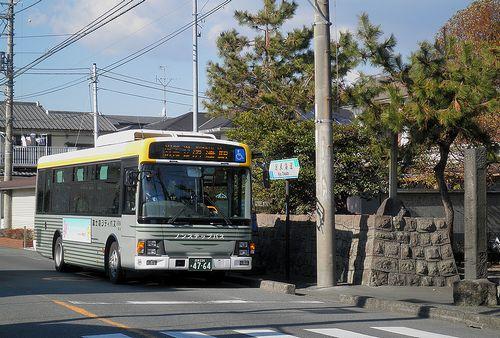 富士急シティバス(旧東海道・沼津市西間門「山神社」前)(2012年1月29日)