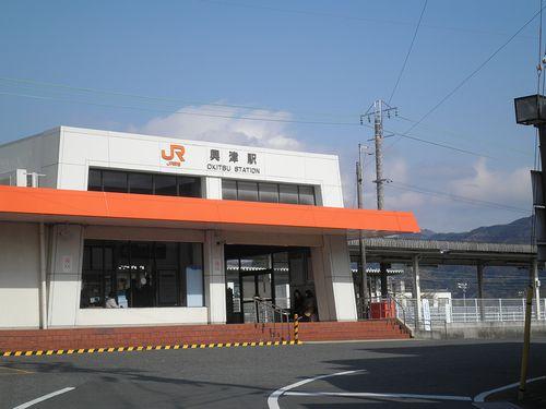 東海道本線興津駅(静岡市清水区興津中町)(2014年3月9日)