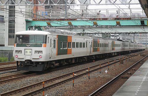 宮オオ185系「B7+B4」編成(2014年6月22日・横浜~保土ヶ谷間)2