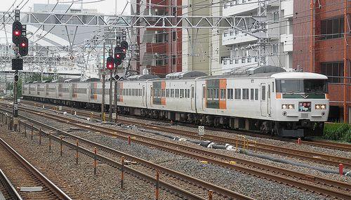 宮オオ185系「A5」編成・特急「踊り子107号」(2014年6月22日・横浜~保土ヶ谷間)