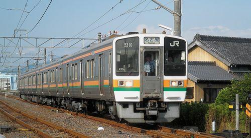 海シン211系5000番代・K15編成(2014年6月29日・井田川駅)