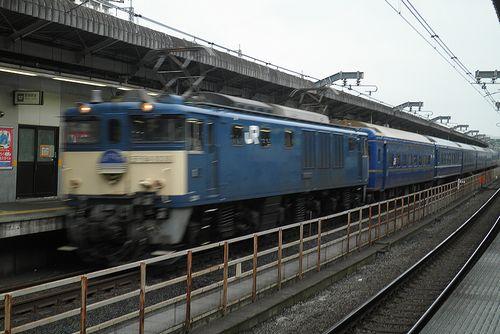 特急「あけぼの」9022列車(EF64 1031[長岡]牽引)(2014年8月13日・赤羽駅)