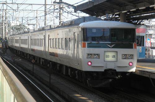宮オオ185系「B5」編成(2014年8月7日・赤羽駅)