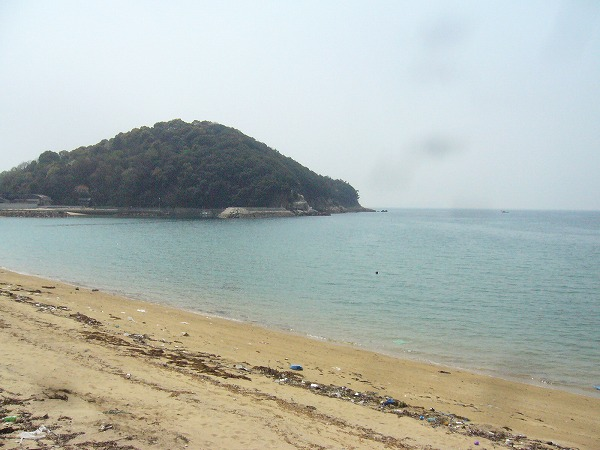 仁老浜 海に向かって左側 26.4.10