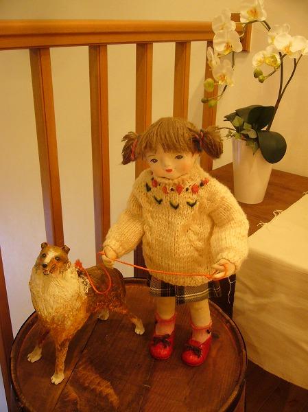 椅子の上に人形 26.6.11