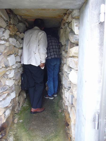 王墓山古墳横穴式石室と石屋形 26.6.18
