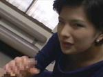 本日の人妻熟女動画 : 【素人】経験人数は4桁!フェラだけで終わるはずもなく・・・♪