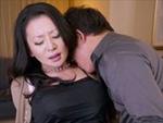 無修正 無料動画 MAX : 【無修正】北島玲 若いエキスを吸い取る生出しマダム