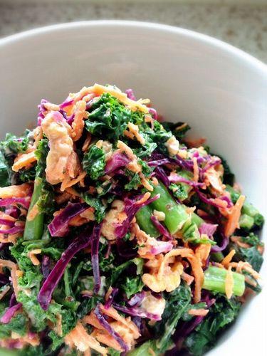 ケールと紫キャベツのサラダ