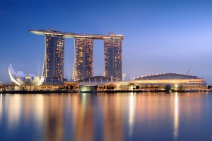1024px-Marina_Bay_Sands_in_the_evening_-_20101120.jpg
