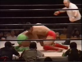 田村はがぶって潰すと、