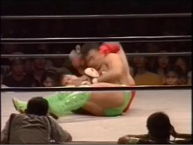 田村が腕十字に行ったところで、