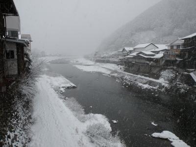解禁前日の町裏の吉田川