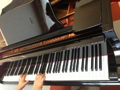 グランドピアノ3 (240x180)