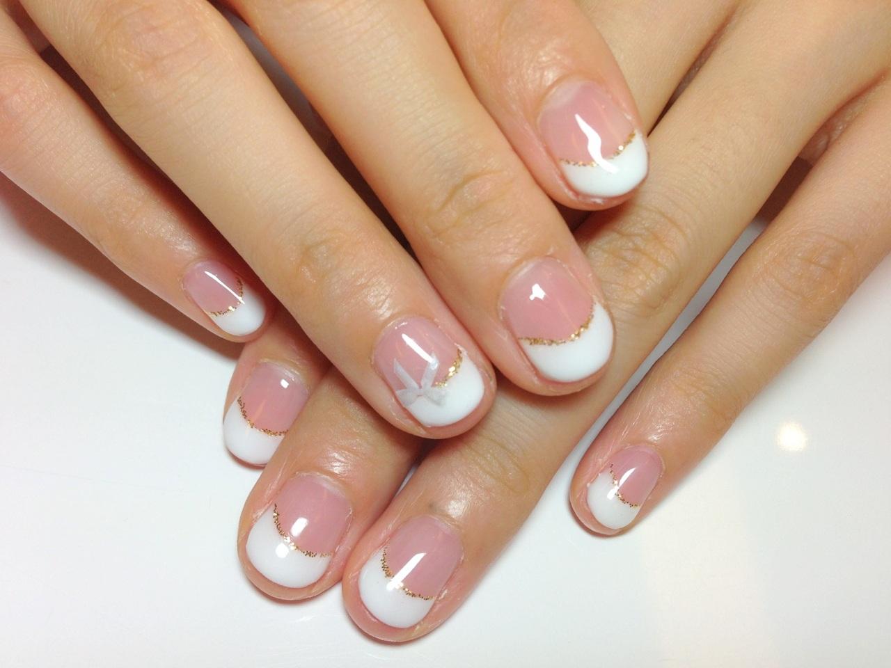 ジェルネイル画像 白フレンチネイル りぼんネイル 夏ネイル