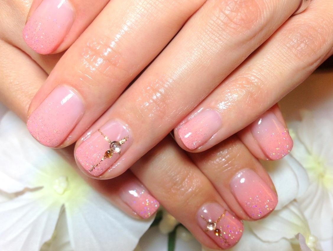 ジェルネイル画像 ピンクネイル グラデーションネイル プレゼントネイル りぼんネイル