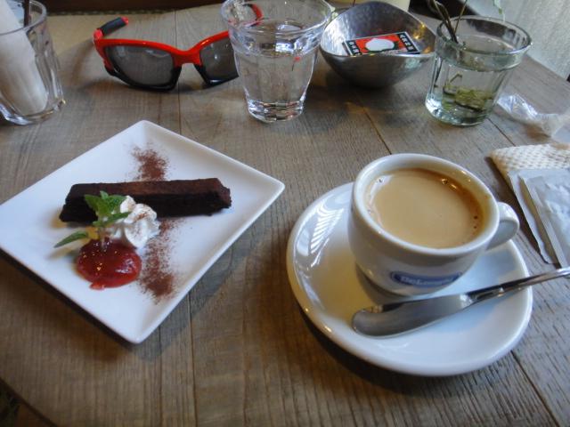 エスプレッソとガトーショコラ