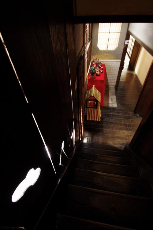 ひなかざり 川本邸 階段の灯り