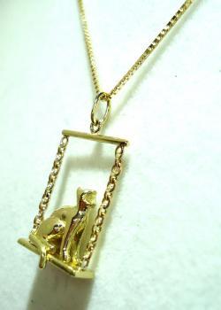 K18ブランコ猫ペンダント ●