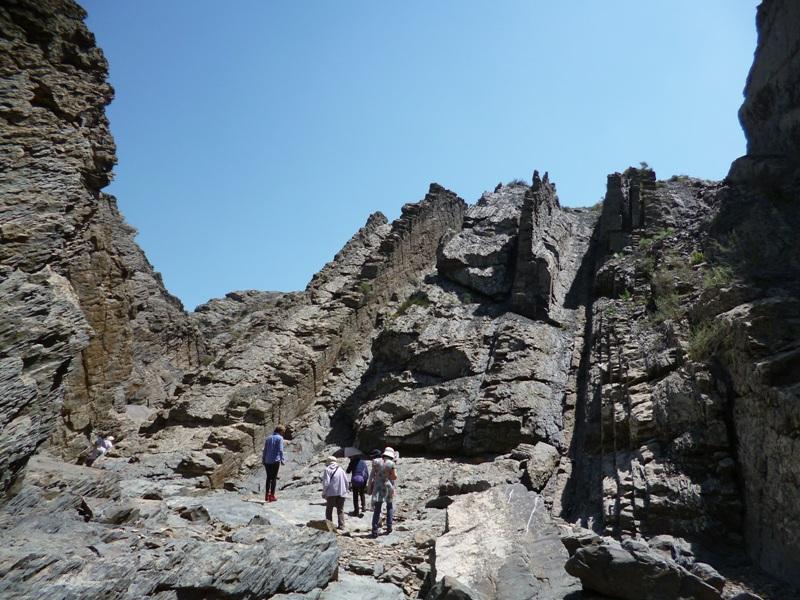 古代の造山活動によって形成された景観