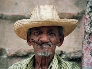 老人 高齢者 喫煙者