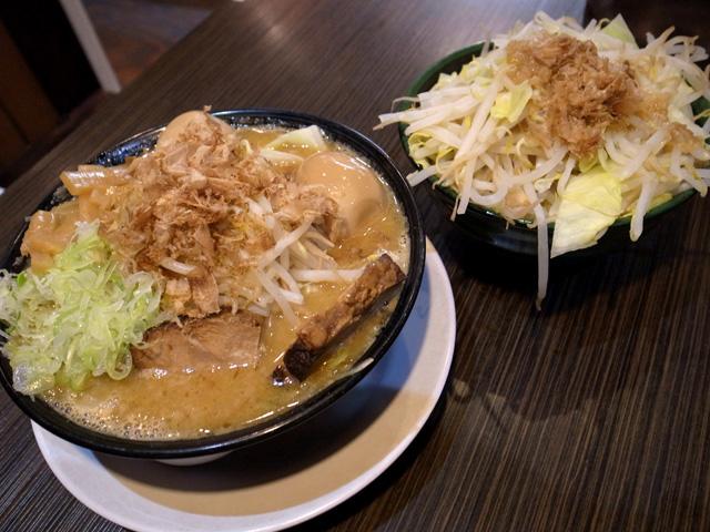 麺闘士麺(味噌)