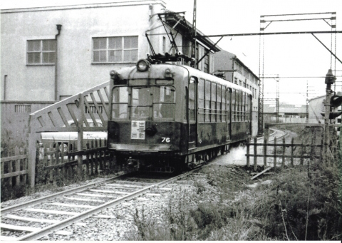 旧出屋敷駅 2