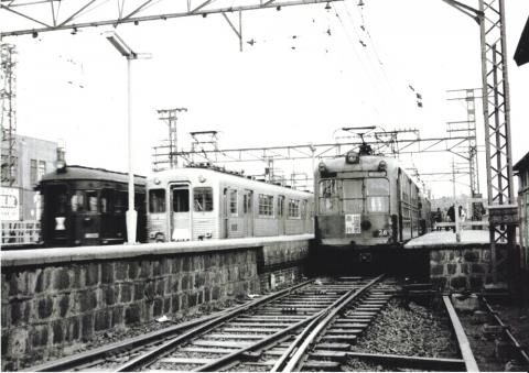 旧出屋敷駅