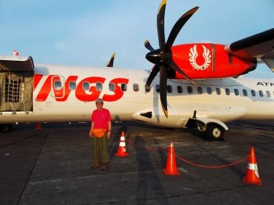 デンパサール空港、ロンボクへ