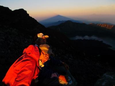 朝早く、登頂前
