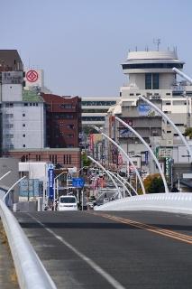 豊田大橋から駅方面を見る