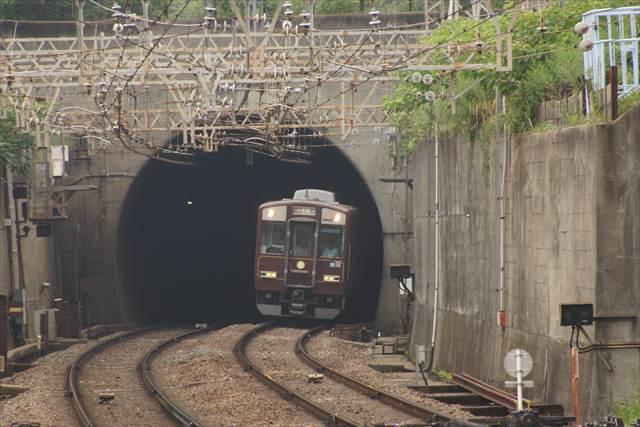 100周年トンネル飛出し