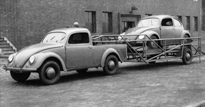 1946-VW-Beetle-Pickup-f3q-BW