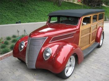 1937_ford_custom_woody_wagon_m