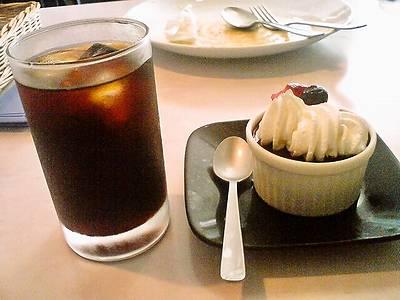 チョコレートババロアとアイスコーヒー