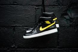 Air_Jordan_1_Mid_Nouveau_Sneaker_Politics_8_1024x1024.jpg